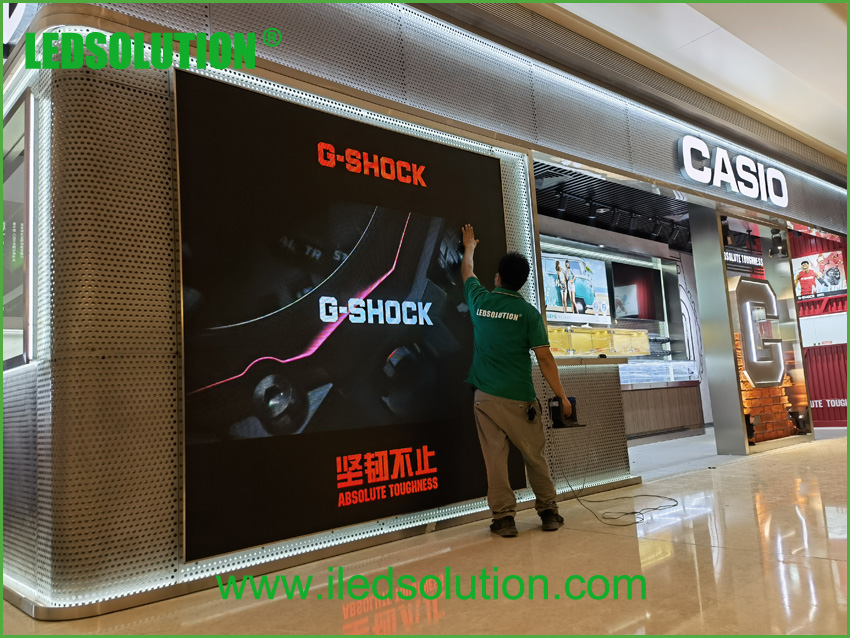 LEDSOLUTION P3 LED Display shines in Casio store in Shenzhen (3)