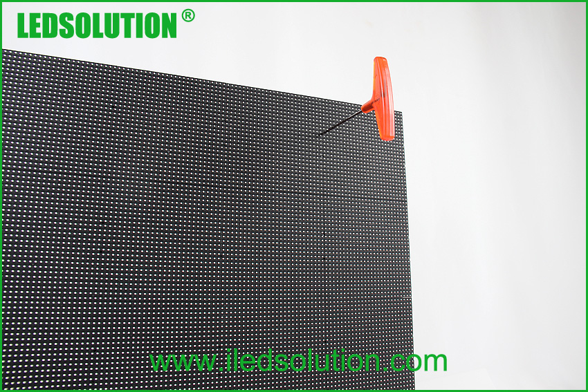 Outdoor P3.91 front service Corner LED Display Solution (10)